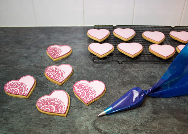cookies 15 طرز تهیه شیرینی قلبی روز ولنتاین + آموزش تهیه کوکی قبلی و عاشقانه