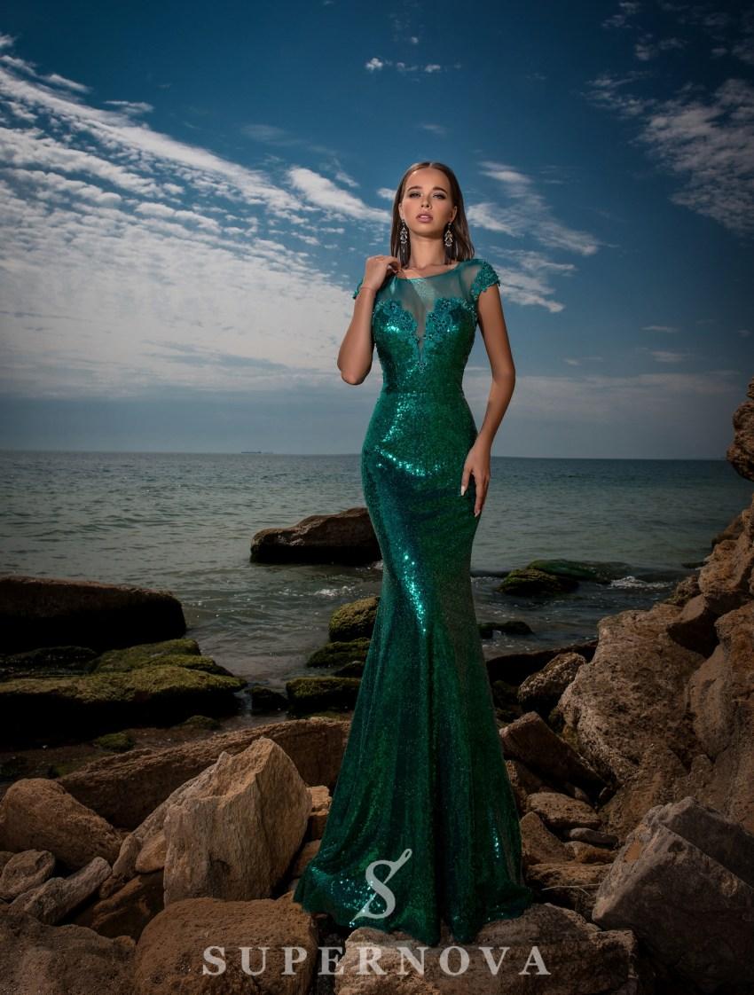 Зелена вечірня сукня