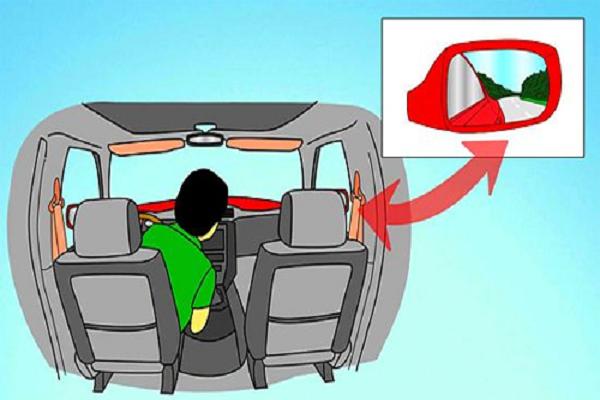 Điều chỉnh gương bên phải là kỹ năng quan sát khi lái xe ô tô các tài cần chú ý