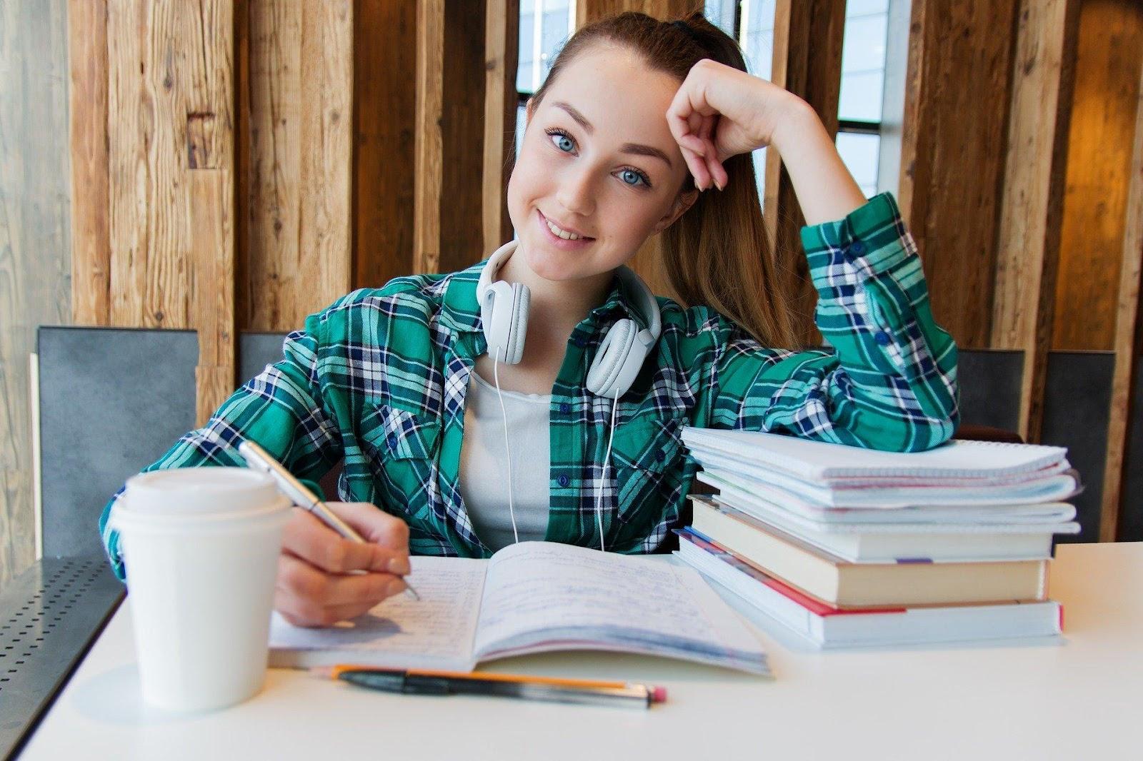 Kết hợp các kĩ năng nghe, đọc, viết giúp bạn học tiếng Đức A1 nhanh và chắc