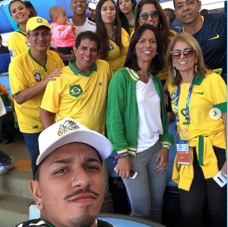 Familiares de Anitta (Foto: Reprodução/ Instagram) van