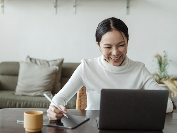 Work from Home: 4 Essential Tips to Building a Productive Online Business