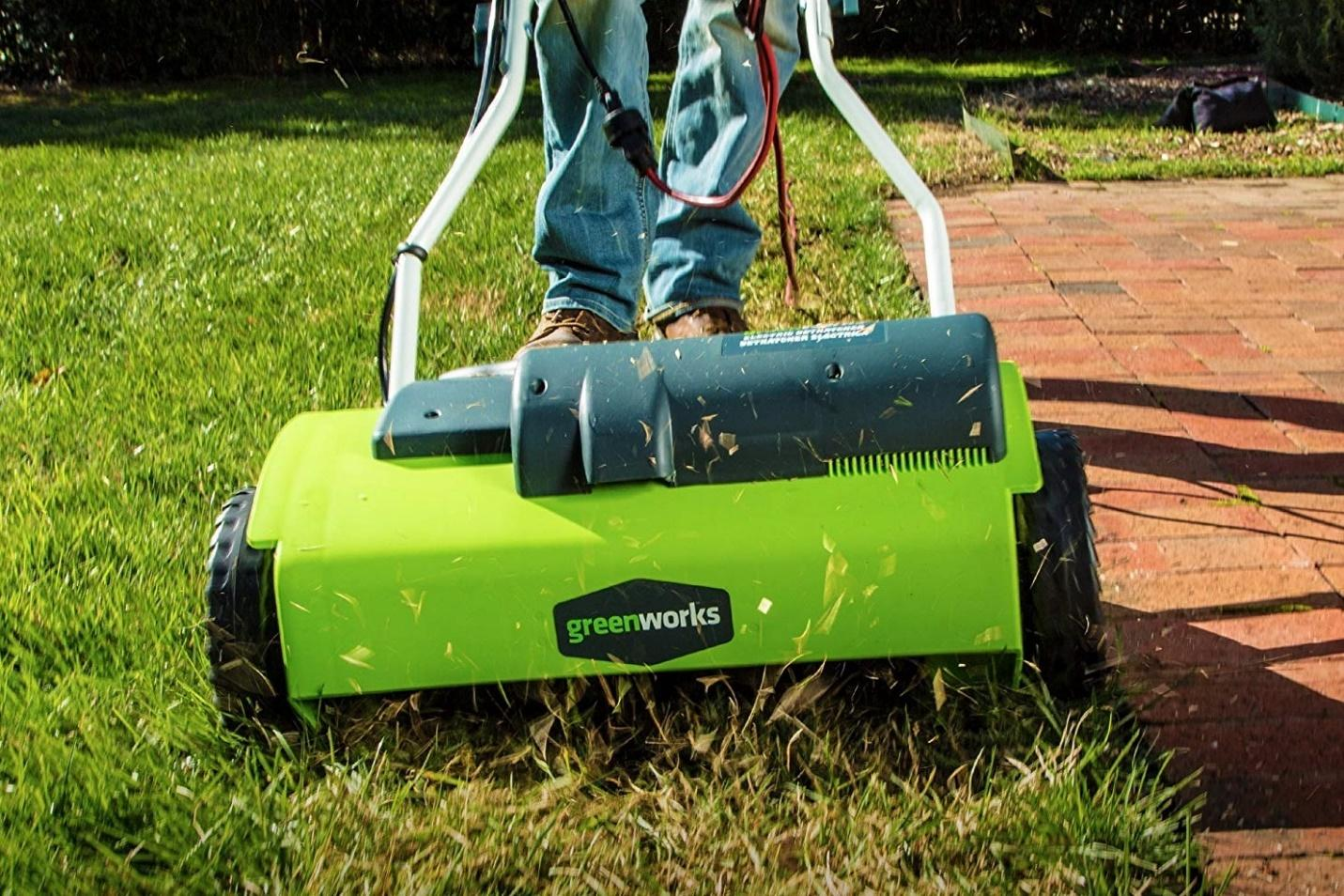 https://mydecorative.com/wp-content/uploads/2018/12/electric-lawn-dethatcher.jpg