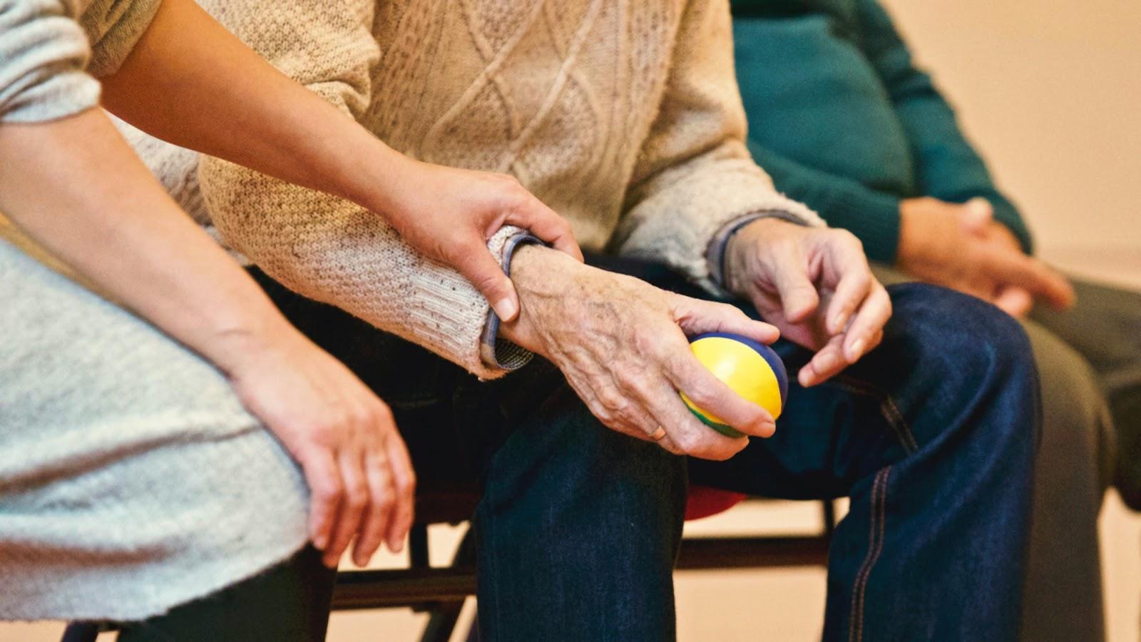 Os cuidados paliativos precisam de mais estima por parte das equipes médicas e, principalmente, da população (Fonte: Matthias Zomer, Pexels).
