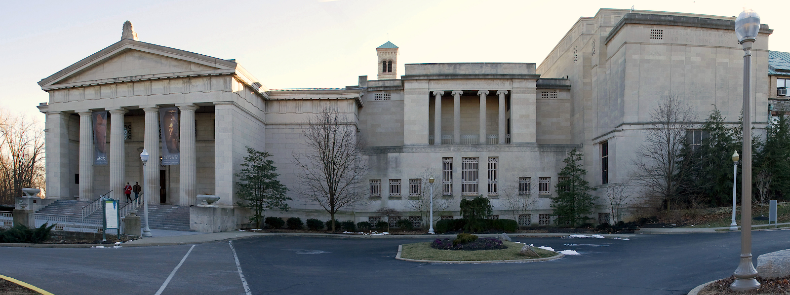 The Cincinnati Art Museum building with parking lot in the foreground