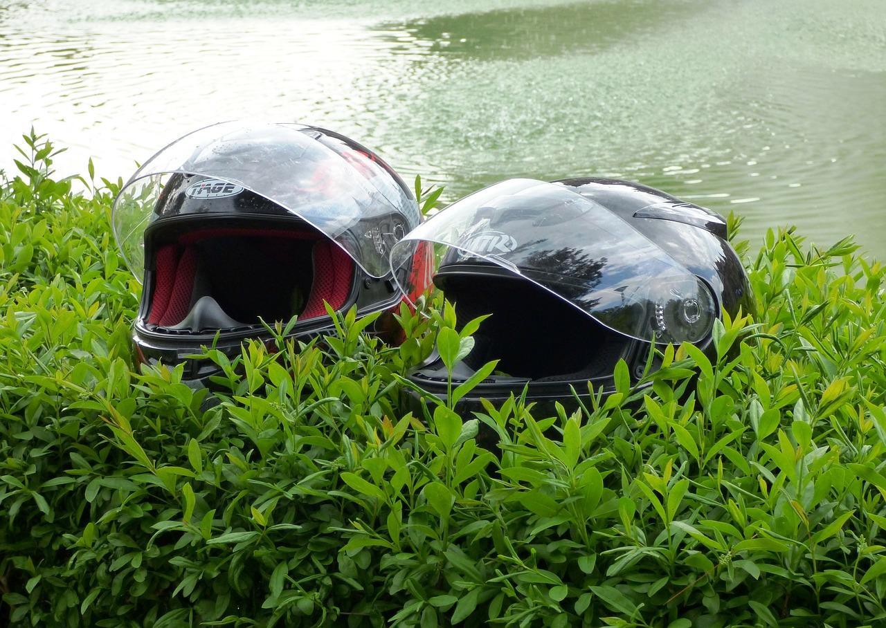 gambar helm