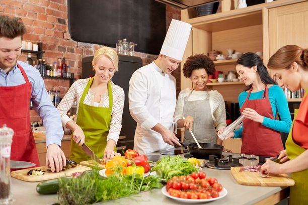 Try something Unusual on 14th february and Take Up Cooking Classes with Your Date