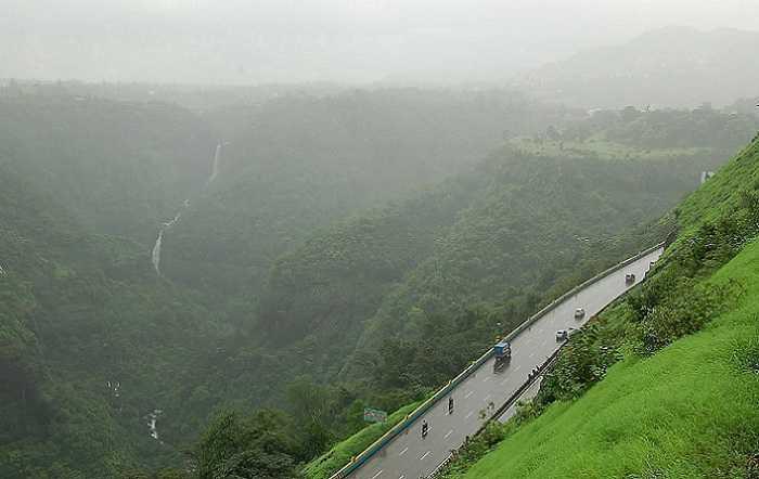 5. Mumbai to Pune.jpg