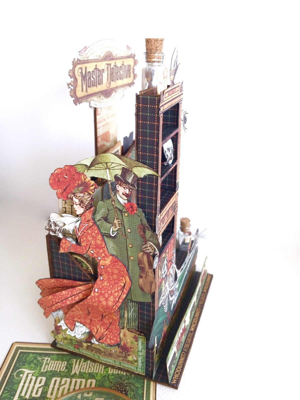 Stand and Mini Album Master Detective by Marina Blaukitchen Product by Graphic 45 photo 2.jpg