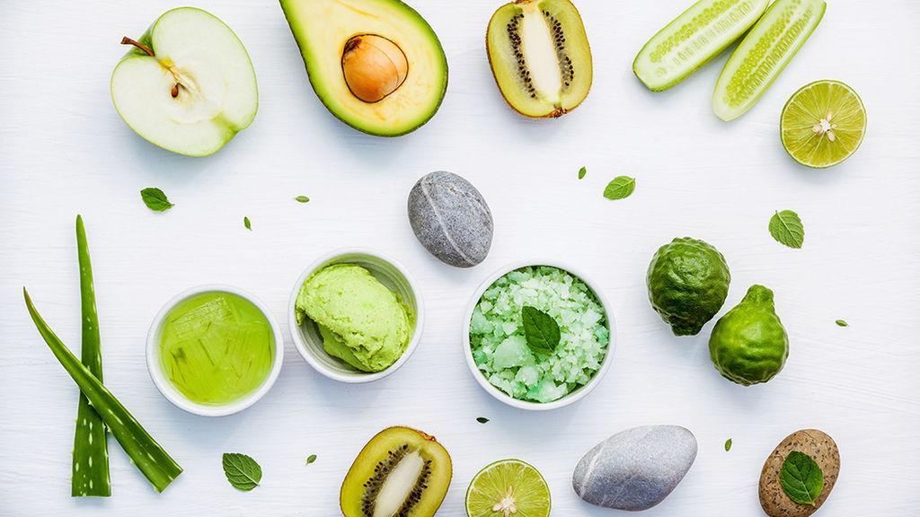 zielone warzywa i owoce