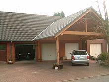 220px-Carport_In_Front_Of_Garages.jpg