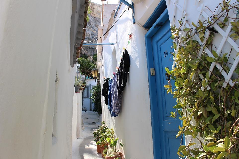El Barrio De Plaka, Grecia, Atenas, Verano, Pierre
