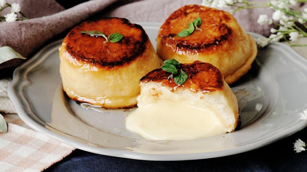 Caramelized Creme Brulee Buns | Tastemade