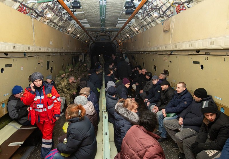 Літак зі звільненими українцями прямує в Бориспіль, 29 грудня 2019