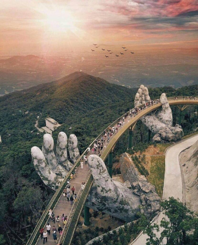 Cây cầu Vàng tuyệt phẩm trên mây trời Đà Nẵng