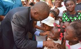 jovenel with kids