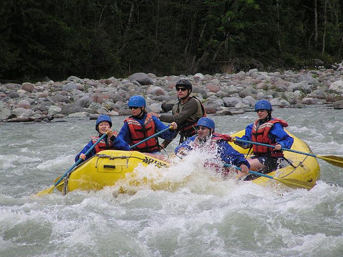 Dòng sông băng Athabasca để lại cho du khách những trải nghiệm tuyệt vời