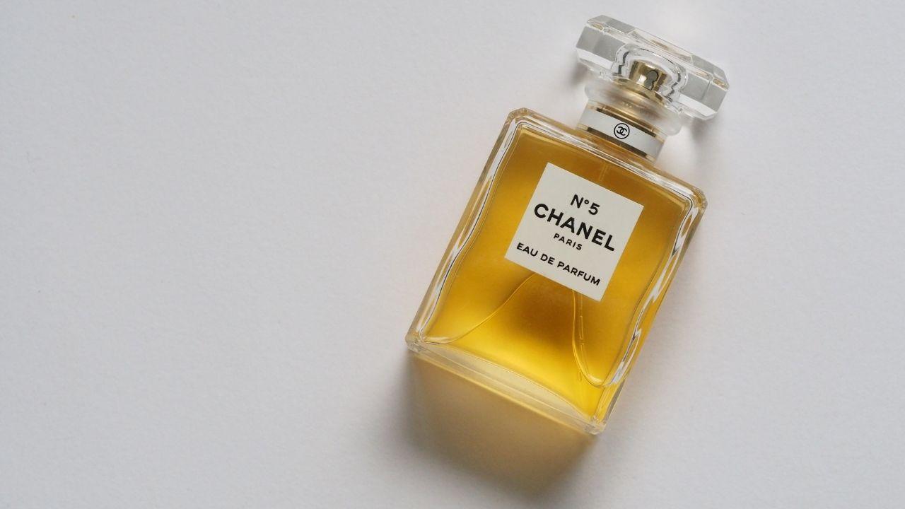 le branding connu de Chanel N°5