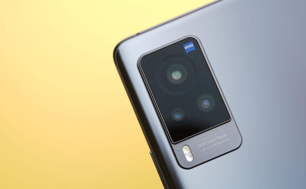 """Thiếu chip toàn cầu, smartphone liệu có tăng giá """"chóng mặt"""" tại Việt Nam như laptop? - Ảnh 3."""