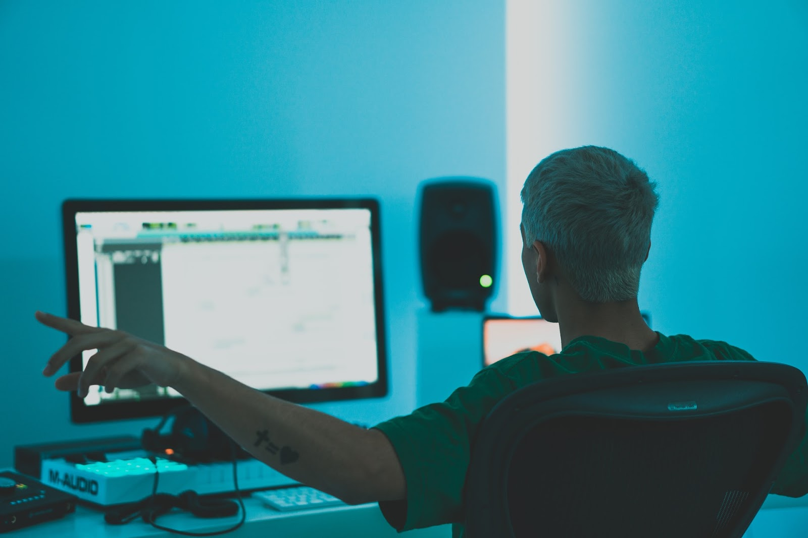 Produtor masterizando música