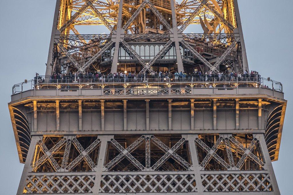 Второй этаж Эйфелевой башни