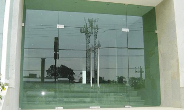 cửa kính ường lực bền
