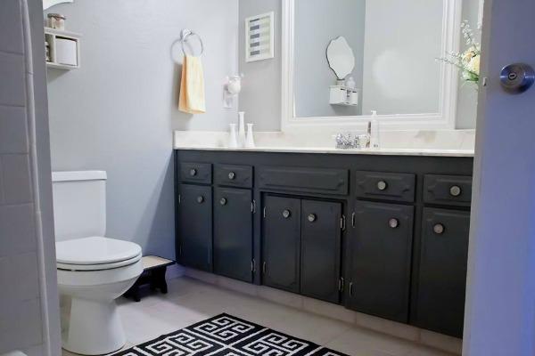 Jessica's Bathroom-5.jpg