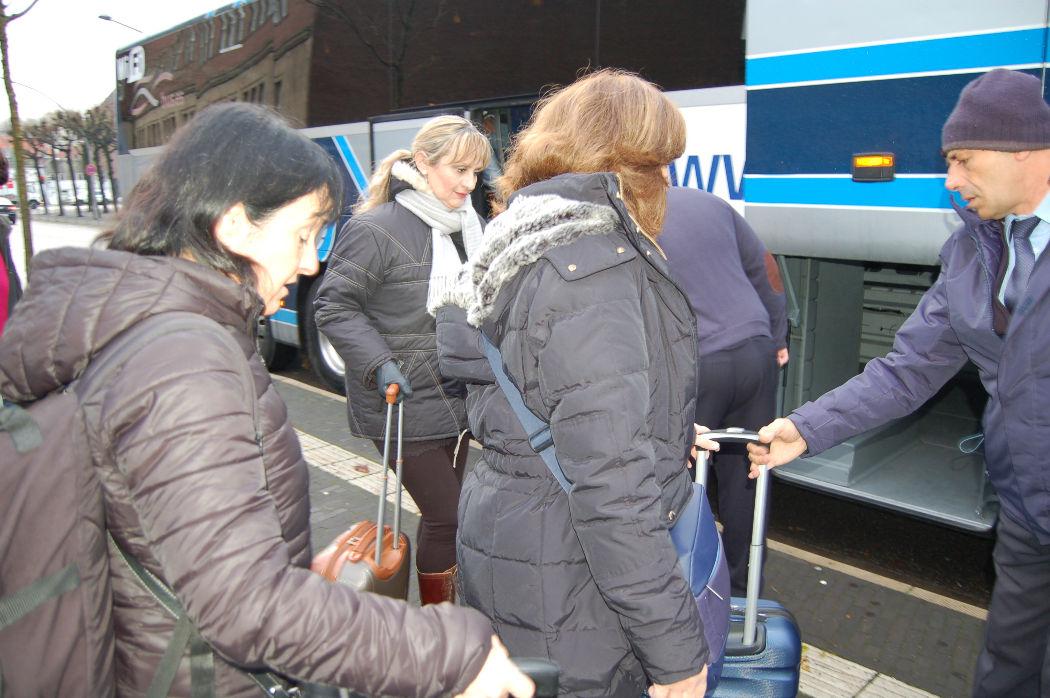 DSC_0060 nos montamos en autobus.JPG