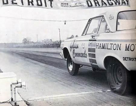 <b>Detroit Dragway</b>