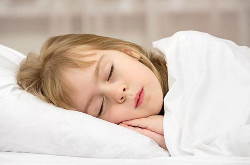 Ngủ sớm và đủ giấc kích thích phát triển mô xương tối đa