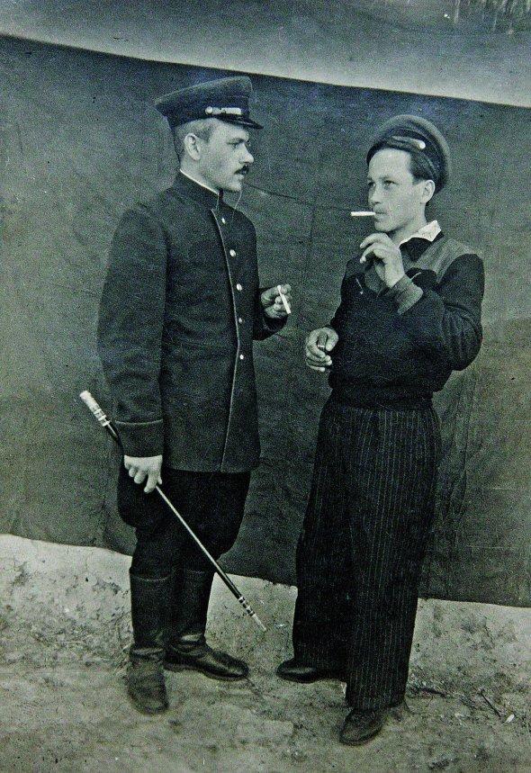 Андрій Чабан (на фото ліворуч) із братом Архипом у селі Стайки Кагарлицького району наКиївщині