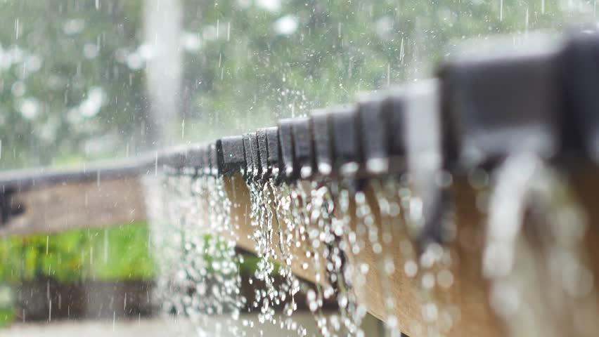 Mái hiên là nơi che mưa chắn nắng cho công trình