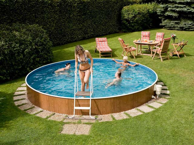 Узнаем, как стоит обслуживать надувной бассейн