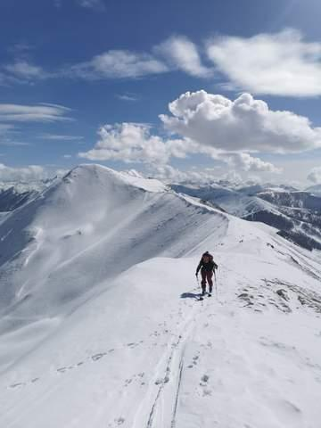 Randonée montagne station de ski famille
