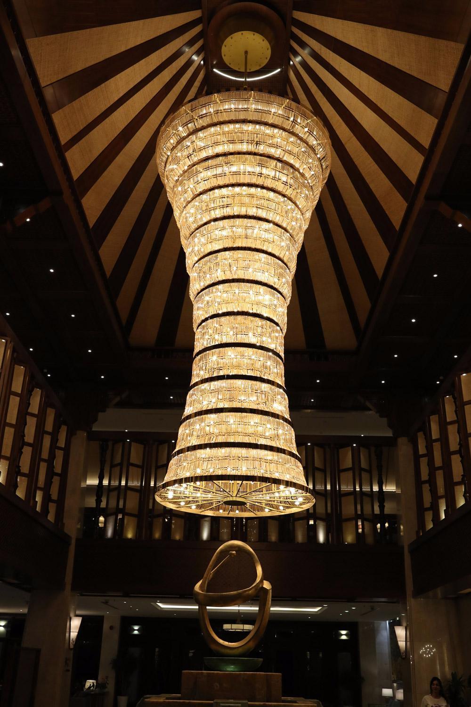 Giới trẻ ưa thích phong cách đèn trang trí khách sạn như thế nào?