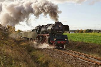 Die Dampflok war vor dem Kriege fast ebenso schnell wie der SPD-Sonderzug... (Bild Archiv gemeinde-tantow.de)