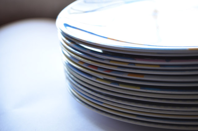Stack of plates - Public Domain Picture