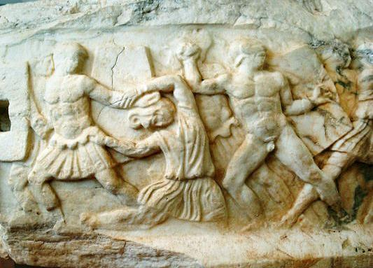 C:\Users\NF\Desktop\ΠΕΡΙ ΝΙΚΟΠΟΛΕΩΣ\Marble Statue base, with Amazon Battle. Nikopolis Museum. Photo Harry Gouvas 03.JPG
