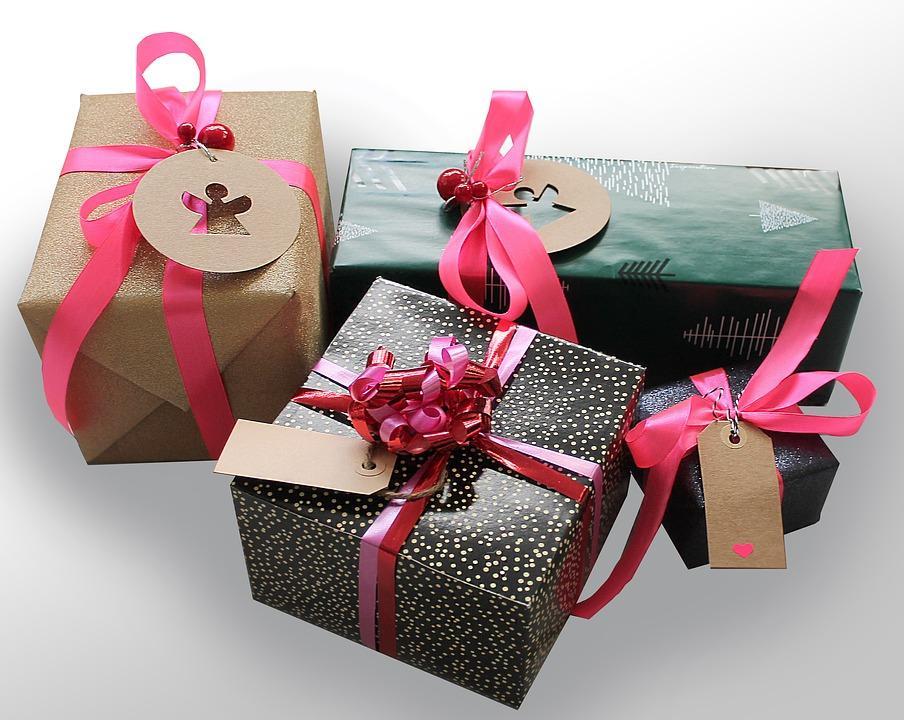 C:\Users\Sunil Pandey\Desktop\Gainee dec\business gift.jpg