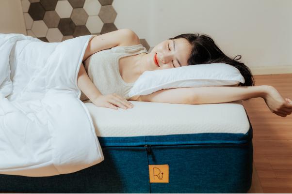 Sử dụng nệm cuộn tròn Ru9 để có giấc ngủ thoải mái nhất