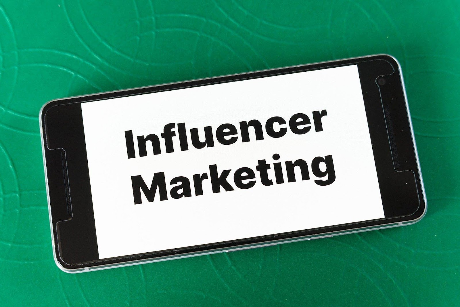 F:\Sohel\Brett\afluencer.com\Jennie articles\images\Influencer Marketing Connects with Food Brands.jpg