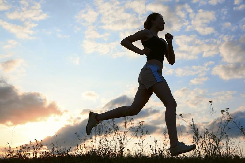 D:\Pachamama\2019\Carte Silviu Dumitrescu\de-ce-sa-alergi-un-maraton.jpg