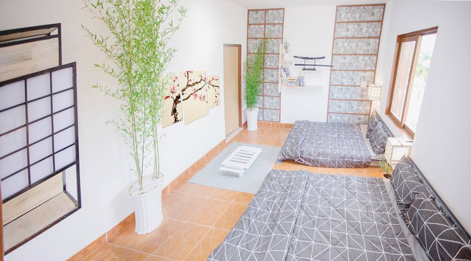 Thị trấn Nobi - Phòng được trang trí theo phong cách tối giản, tạo cảm giác thoải mái