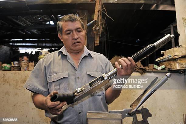 San Jose De Chimbo Fotografías e imágenes de stock - Getty Images