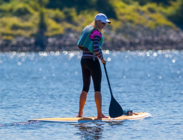 Prueba el paddle-surf durante tus vacaciones en Tignes