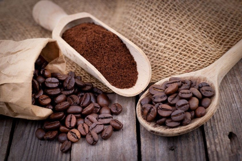 graines de café et mouture