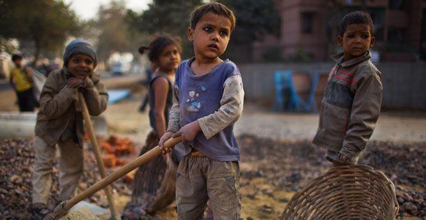 C:\Users\usuario\Desktop\dia-erradicacion-pobreza-20-default.jpg