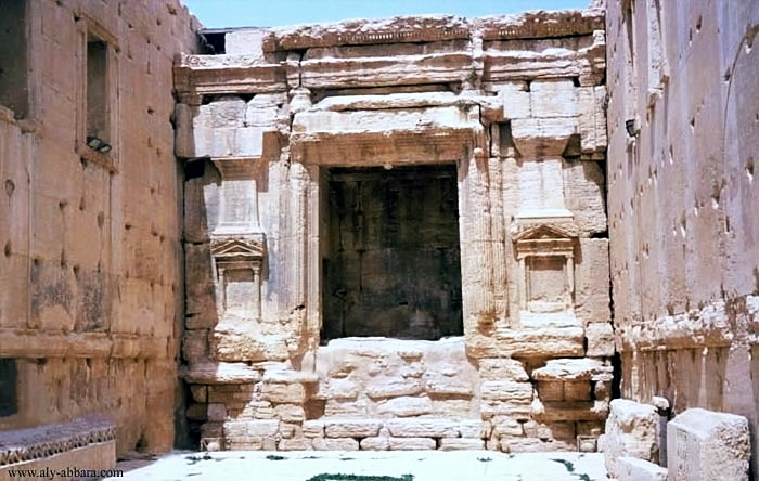 Palmyra-Templo de Belo-Cella Norte.jpg