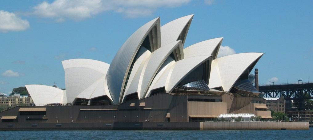 http://upload.wikimedia.org/wikipedia/commons/9/98/SydneyOperaHouse.jpg