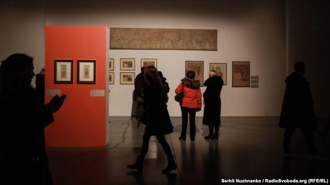 Відвідувачі виставки «Бойчукізм. Проект «великого стилю»